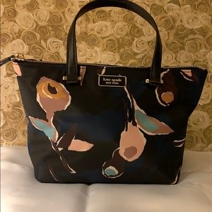 """NWT Kate Spade insulated tote new pattern! 10""""x8"""""""